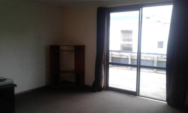 605 lounge